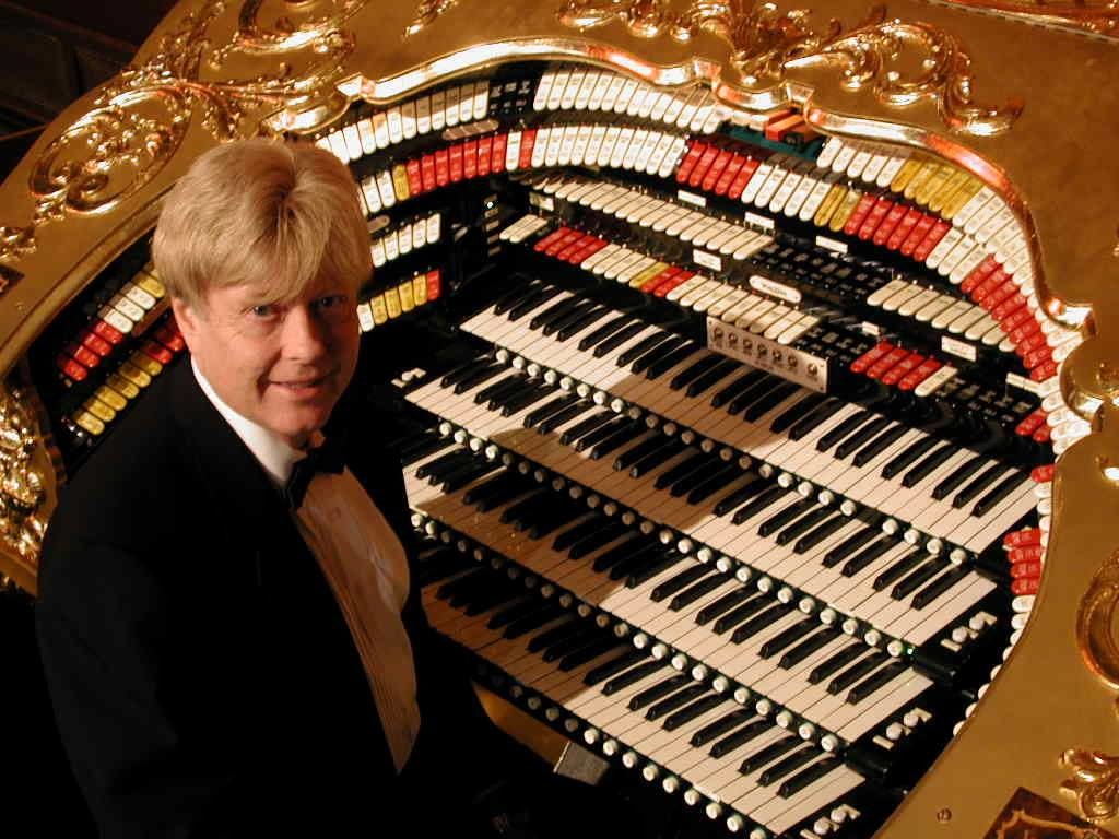 Renowned Organist, John Ledwon, in Concert